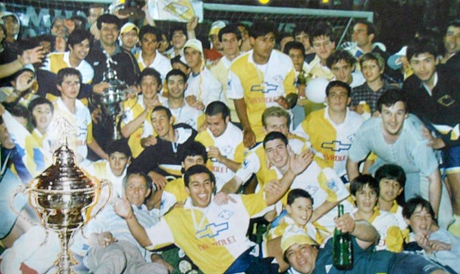Bella Vista de Paysandú en la cúspide de la OFI, campeón de la Liga Mayor 1998