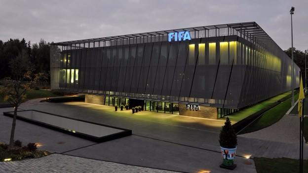 La FIFA está paralizada por las denuncias de corrupción