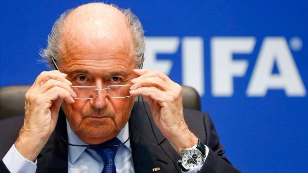 Que Blatter, haga público su sueldo