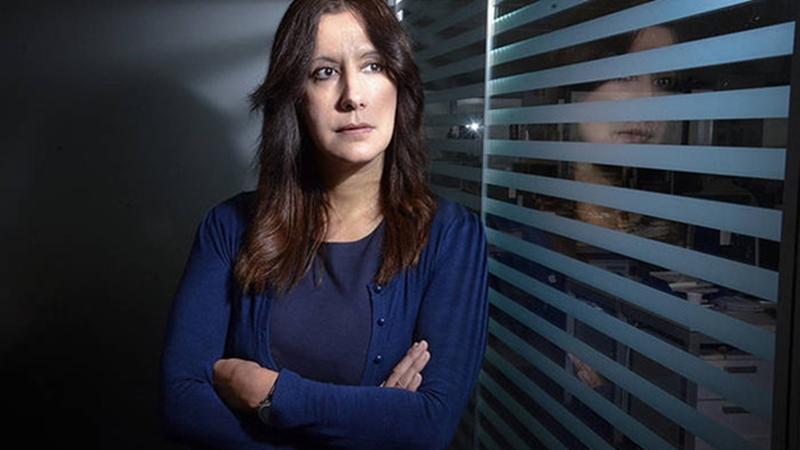 """La ganadora del Premio Planeta, Dolores Redondo, nos alerta:""""La mujer demasiado fuerte asusta al hombre"""""""