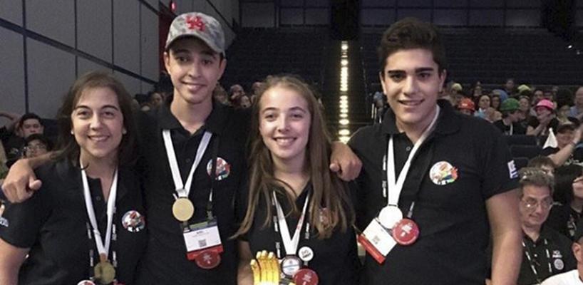 Son de Tala, estudiantes ganadores en el First Lego League World Festival con el premio Mejor Equipo de Robótica Novato