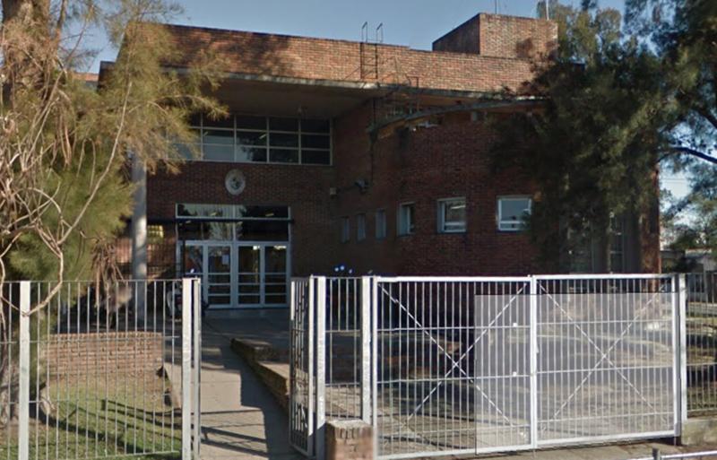 Horror: Apuñalaron a un alumno del liceo 2 de San José, en las afueras del centro educativo