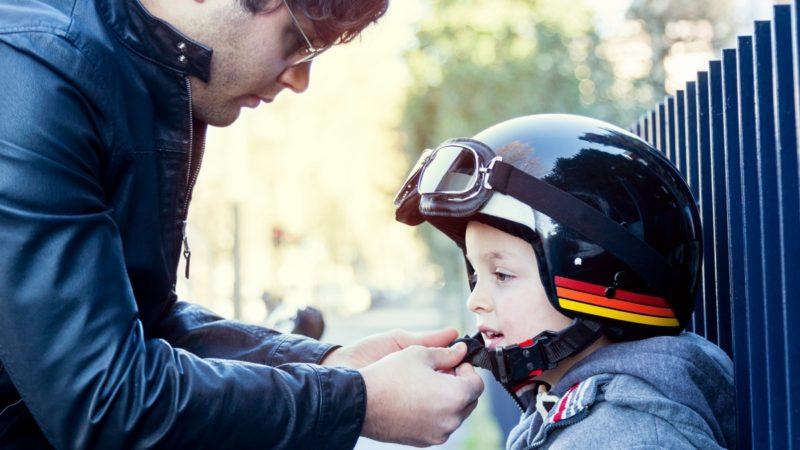 Un estudio sobre traslado de niños en motos indica que aumentó la cantidad de fallecidos en acidentes