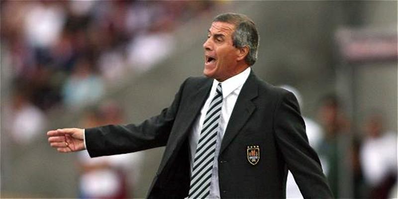 """El """"maestro"""" Tabárez luego del cuarto puesto en Sudáfrica 2010 y el título de Copa América"""