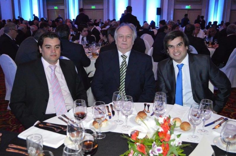 La Confederación del Litoral de los Cheppi, completa el apoyo masivo que tiene hoy la OFI contra la AUF y contra Racing de Montevideo