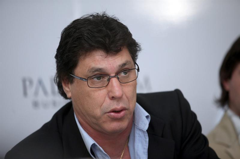"""Juan Ramón Carrasco:""""Si Uruguay hace un gol con la mano, me voy a poner contento. Pero siendo objetivo, no me gusta el fútbol que practica mi selección"""""""