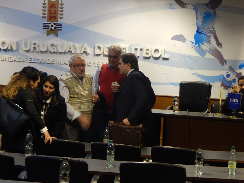 Presidente de Racing revuelve la OFI y trata ahora a su presidente Bares de fascista