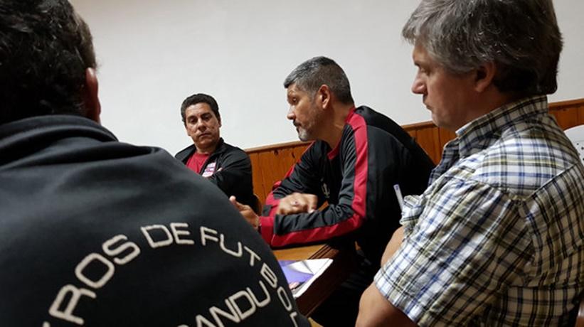 """En Paysandú, Walter Brajús estremeció cuando dijo:""""el arbitraje está en el CTI"""", y para mejorar el fútbol """"tenemos que trabajar en conjunto dirigentes, clubes, árbitros y la Mutual de Futbolistas"""""""