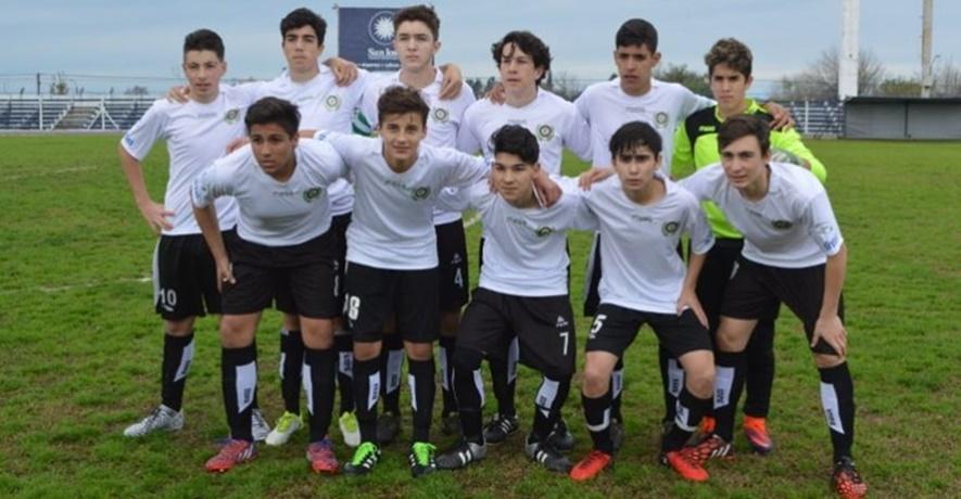 Tienen 15 años e integran una selección de San José , pero son insoportables e indisciplinados y tomarán medidas con ellos los dirigentes de la Liga