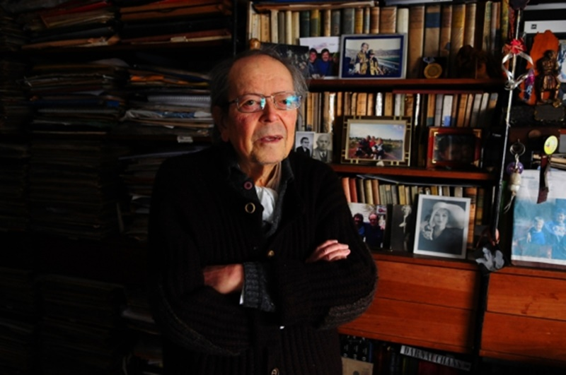 Falleció el poeta tacuaremboense Washington Benavídes