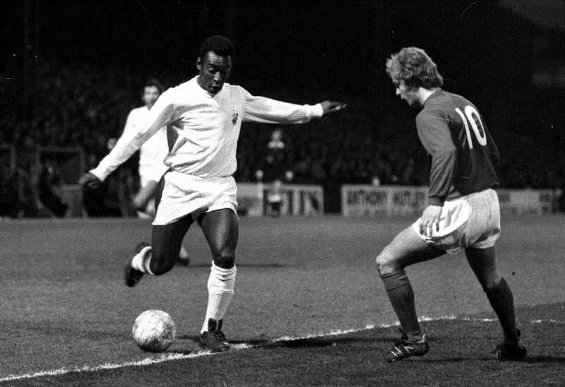 Data fútbol del mes de octubre: el adiós a Pelé y mucho más…