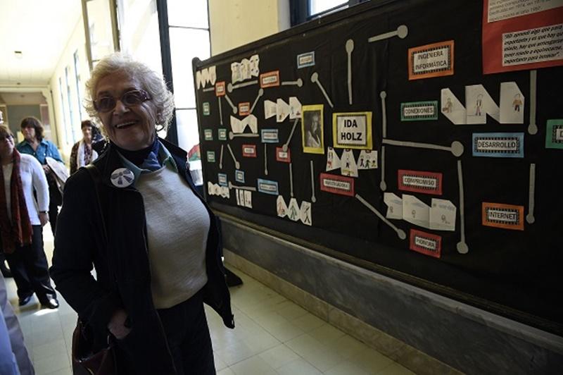 """La madre de internet en el Uruguay, Ida Holz:""""El principal uso de Internet, hoy, es el chat en las redes sociales"""""""