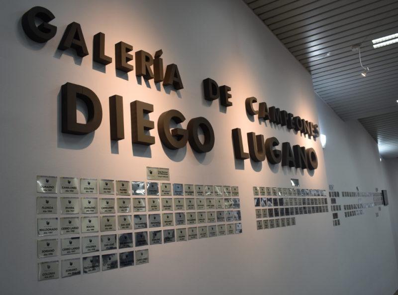 """Diego Lugano contra la pared de la OFI: """"El mal menor sería nominar ese espacio sólo como """"galería de campeones"""" y adiós polémicas"""""""