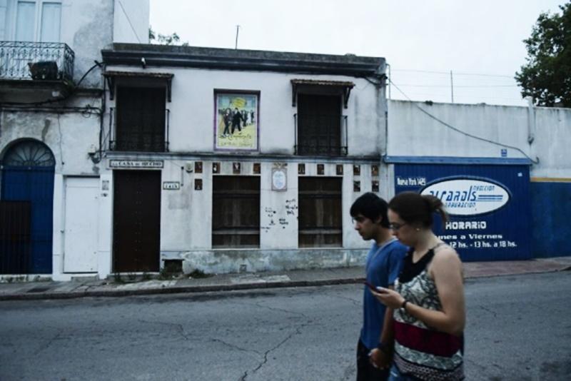 """A cinco meses de abrirse """"La Casa de Becho"""", el periodista Ramón Mérica entrevistaba a Garisto y su esposa en la propia tanguería, hoy absolutamente abandonada"""