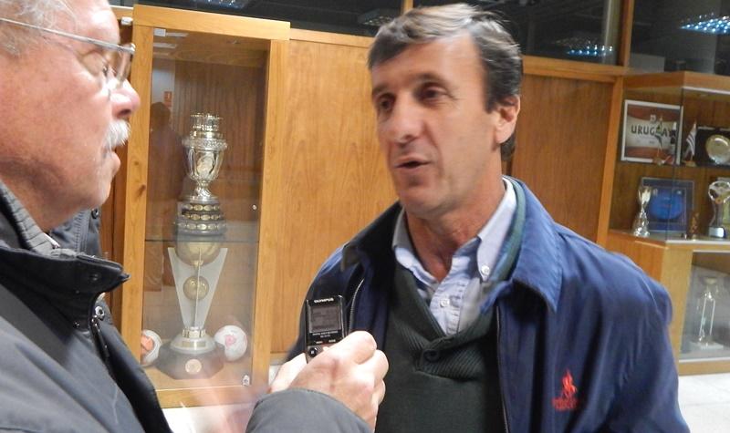Cuando faltan 5 meses para irse de la OFI, el presidente Gustavo Bares anuncia que destinará 14 millones de pesos para infraestructura de canchas para Ligas y clubes