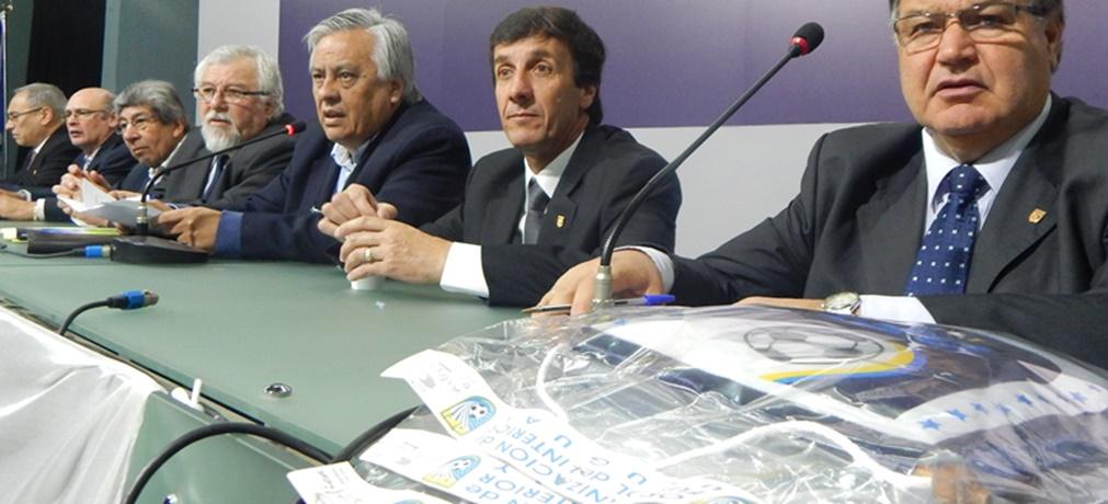 """La amenaza del presidente de OFI: """"El sábado comienza la Copa haya o no televisación"""" Si no se presentan serán suspendidos los clubes hasta con multa de 120 UR"""