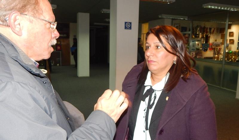 """(Audio) 4a Asamblea de la AUF con la OFI. La Dra. Andrea Valiente, es muy elocuente:""""Lo que se votó fue un cuarto intermedio hasta que se resuelva el caso de El Tanque Sisley"""""""