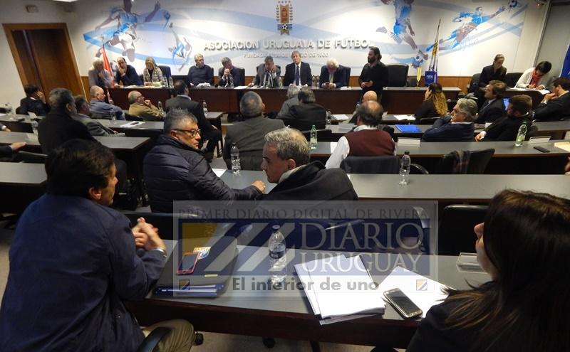 Lo que está claro es que, si no se aprueba el estatuto, Uruguay no se quedará sin el Mundial