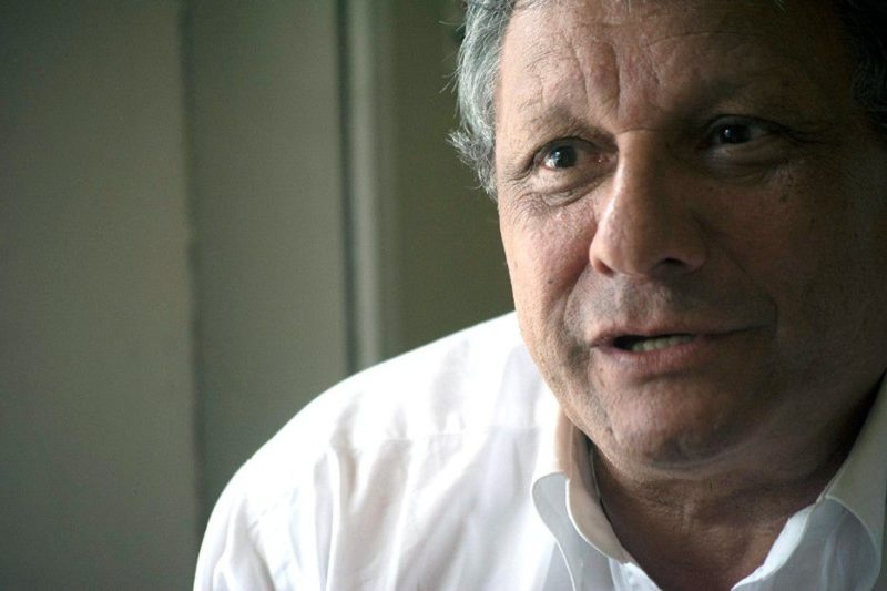 El periodista deportivo Alberto Kesman y el directivo del sindicato de Teledoce se cruzaron en la puerta del canal e intercambiaron golpes. El gremio prepara medidas