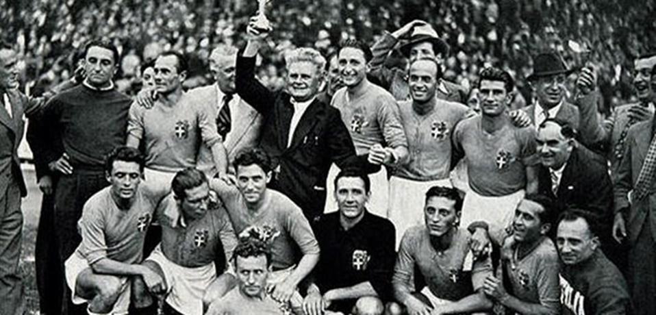 En 1938, Italia se convierte en el primer bicampeón mundial FIFA