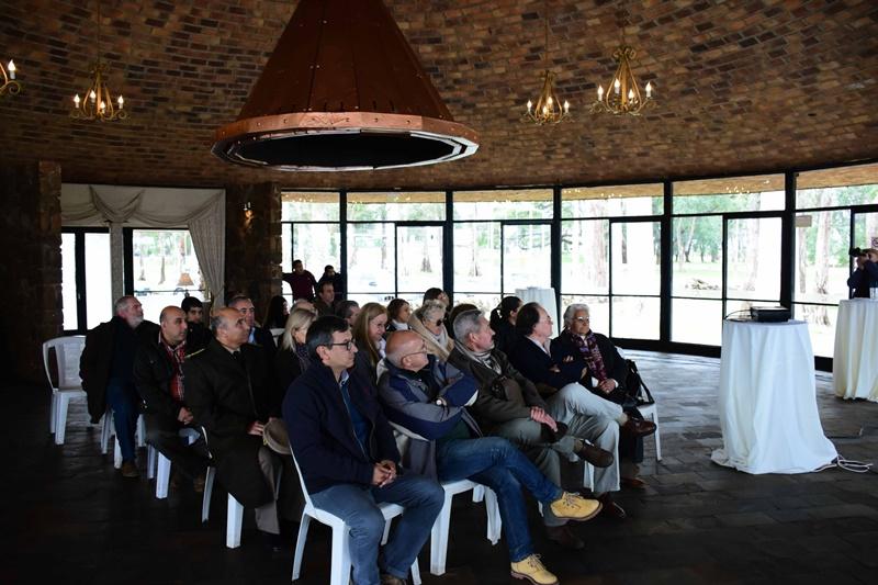 La ex Terminal de Ómnibus de Salto y el Parador Ayuí, dos obras del ingeniero Eladio Dieste, fueron declaradas oficialmente Monumento Histórico del Uruguay