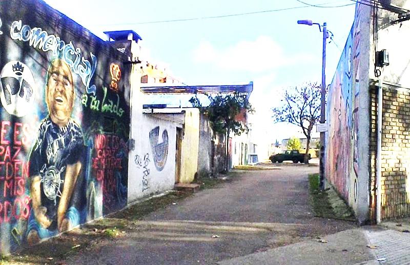 QUE LAS HAY LAS HAY:Destino hogareño de dos grandes del fútbol uruguayo: Obdulio Varela y Luis Suárez vivieron en la misma casa con callejón