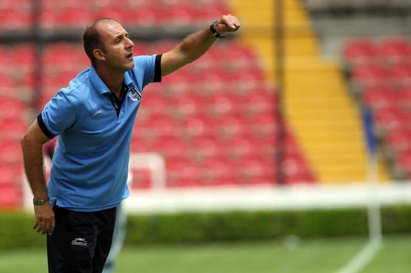 """CON GARRA CHARRUA A TIERRAS AZTECAS, declara el canario Gonzalo Cigliuti: """"La gran satisfacción que da ser entrenador, es el reconocimiento de los muchachos"""""""