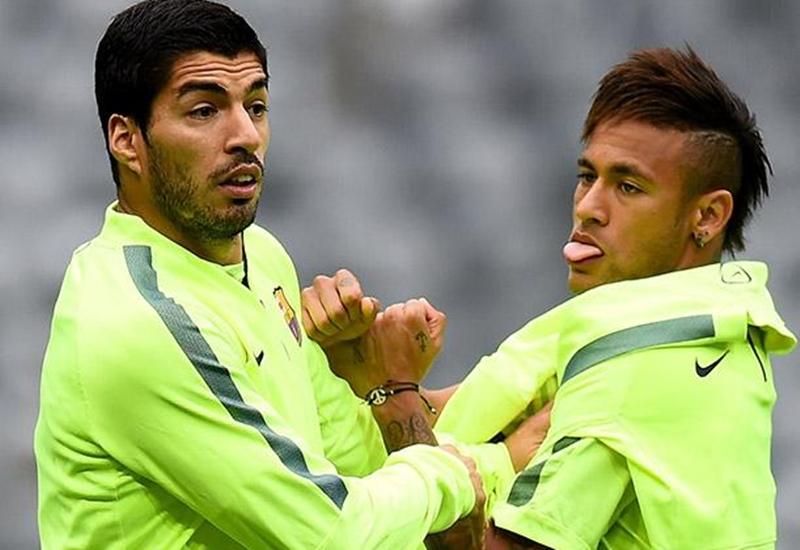 El salteño Luis Suárez reveló el motivo de la partida del brasileño Neymar al PSG