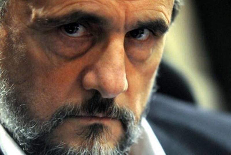 Palma denunció que Valdez, quien había sido presidente de Rentistas, hacía pases puente y junto con Costa atacó la colocación de césped sintético en el Complejo Rentistas