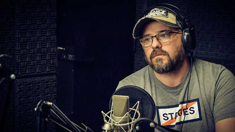 Periodismo en crisis: ¡A estudiar, Sarthou! Manuel Flores Silva manda a estudiar al analista político de Canal 12