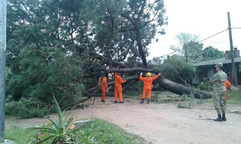 (Vídeo) El gobierno de Canelones informa los niveles de riesgo que corre el departamento por el temporal que azota a esa zona