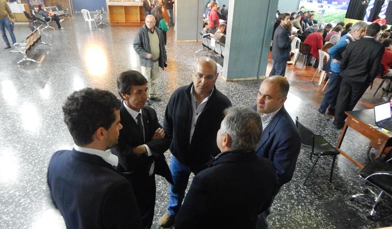 (Audio) Ahora anuncian que votarán en el Congreso de OFI en Minas, para que Bares siga trabajando ante AUF y FIFA