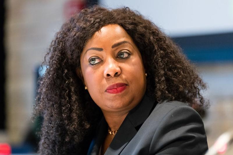 La dueña de la pelota es Fatma Samoura, Secretaria General de FIFA, que emplazó a la AUF hasta el 2 de diciembre a aprobar el estatuto
