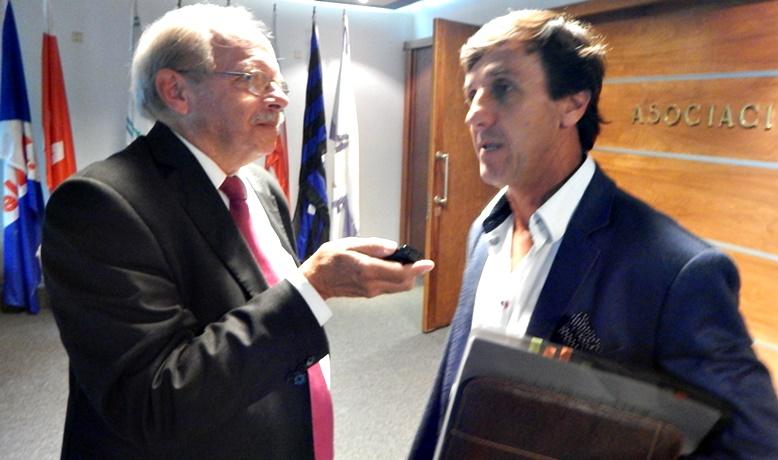 ¿De qué lucha y apoyo habla el eufórico y actual presidente de la OFI, Gustavo Bares?