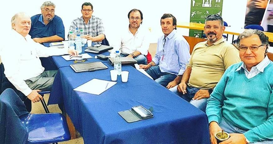 La AIAF (Asociación Intergremial de Árbitros de Fútbol), mantiene vigente la medida de NO arbitrar partidos a clubes o selecciones de Liga Mayor de San José