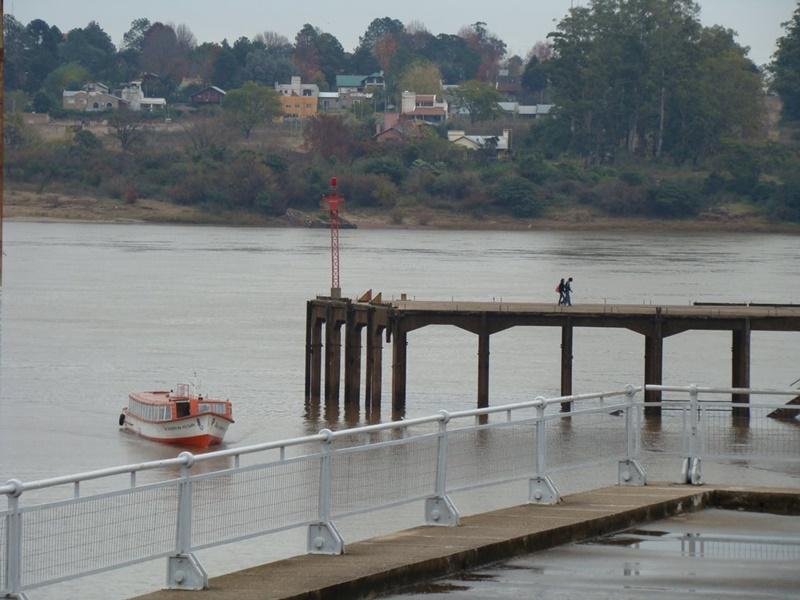 Se va la lancha … para siempre. El servicio de lanchas entre los puertos de Salto y Concordia no va más…