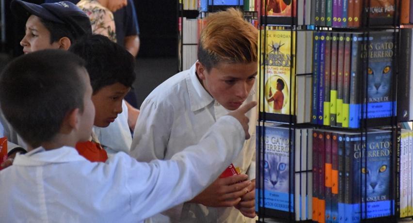 La lectura se da cita en Ciudad de la Costa, con la primera Feria Internacional del Libro