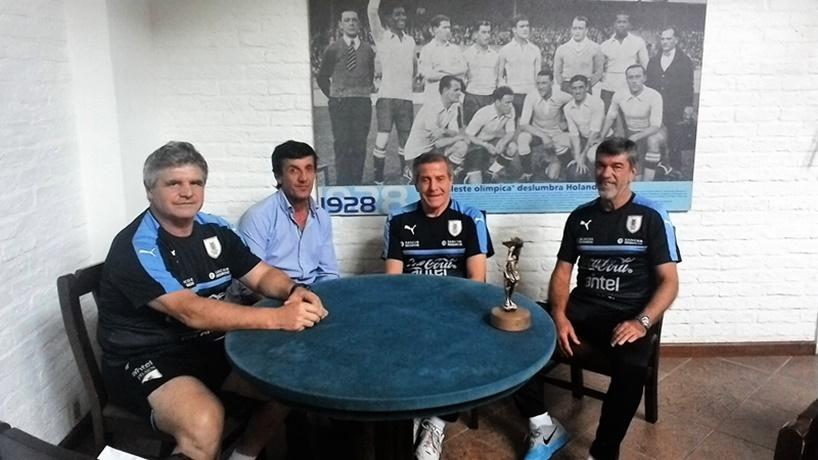 Los famosos campamentos del maestro Tabárez, siempre fueron criticados en el interior del Uruguay
