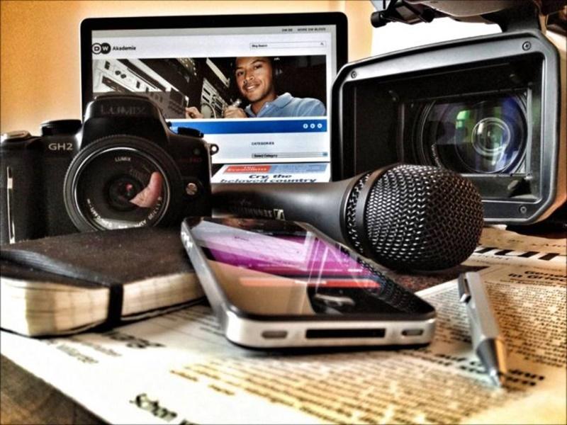 Terrible pregunta: Periodismo y publicidad ¿todo vale?