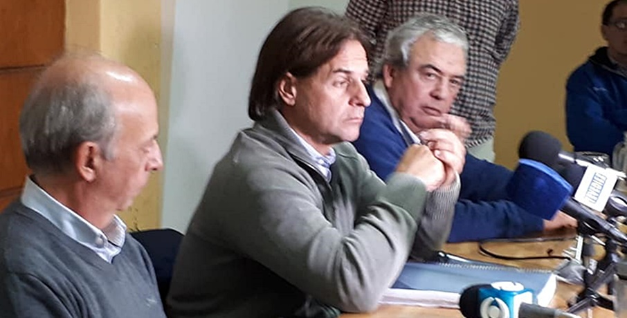 (Vídeos) Luis Lacalle Pou en Rivera, fugazmente ofreció una conferencia de prensa